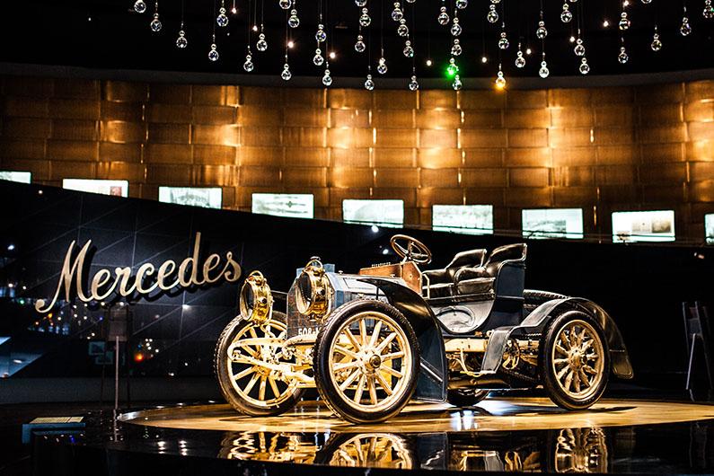 Fotografieren im Mercedes-Benz Museum